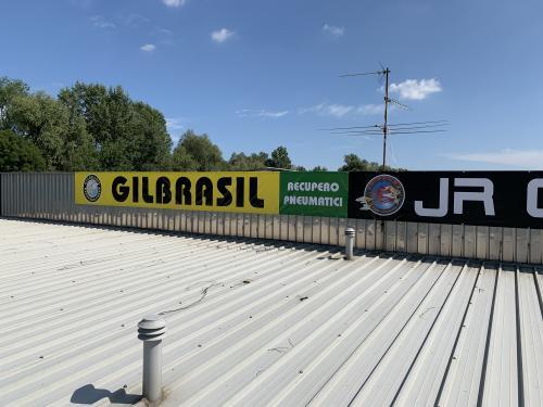 Banner insegna Gill Brasil JR Gomme 1