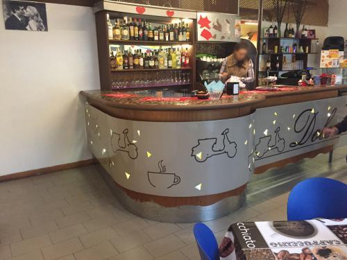 Interior design Bancone decorato Dolce Vita 2