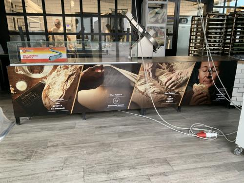Interior design decorazione bancone Bakery factory 3