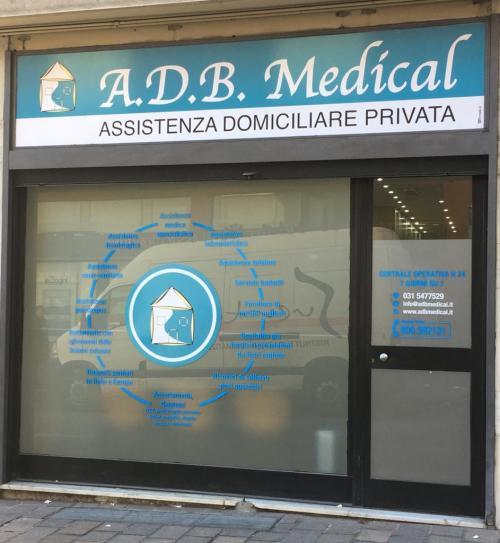 Negozio ADB Medical insegna e vetrofania 2