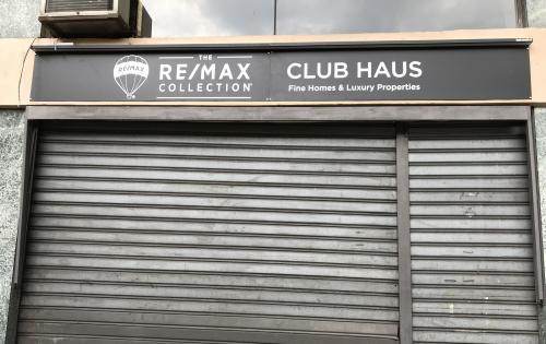 Insegna a pannello ReMax Club House 3