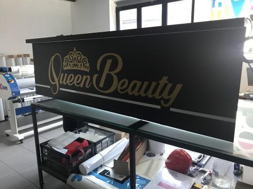 Insegna a pannello con baffo luminoso Queen Beauty 3