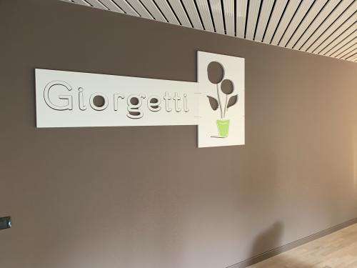 Interior design Murofania pantografata Giorgetti fiori 1 installazione
