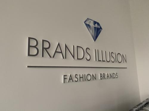 Interior design murofania pantografata brand illusion 2