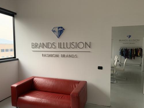 Interior design murofania pantografata brand illusion 3