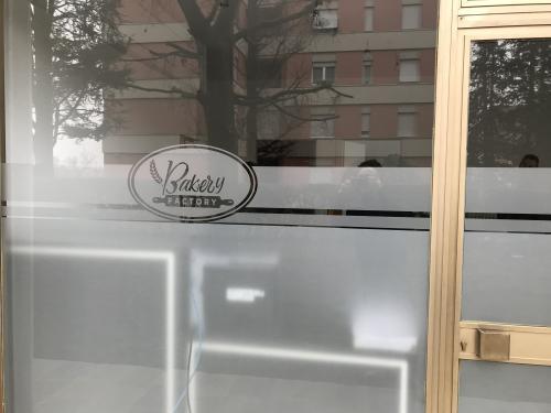 Vetrofania Satinato intagliato Bakery 2