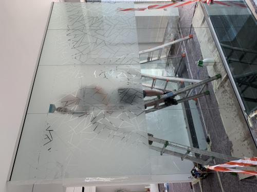 Interior design vetrofania uffici 1