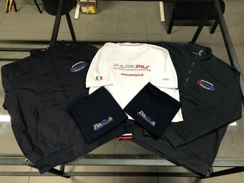Abbigliamento da lavoro personalizzato ricamato 4